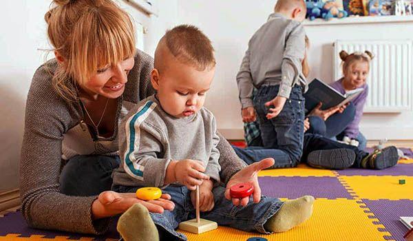 curso cuidador de niños
